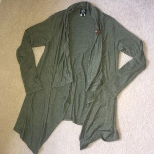 Olive green cardigan with fastener button